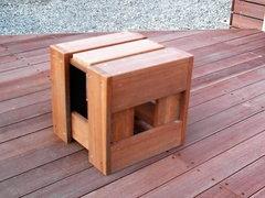 キューブ型小椅子
